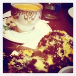 Clasic tea and scone