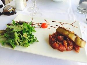 Tuna tartar topped by foie gras